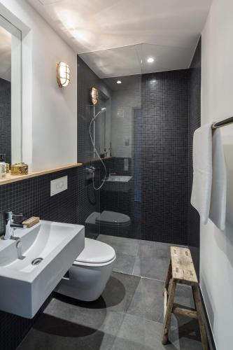 Rivestimento Bagno Moderno Grigio: Cool and sophisticated designs for ...
